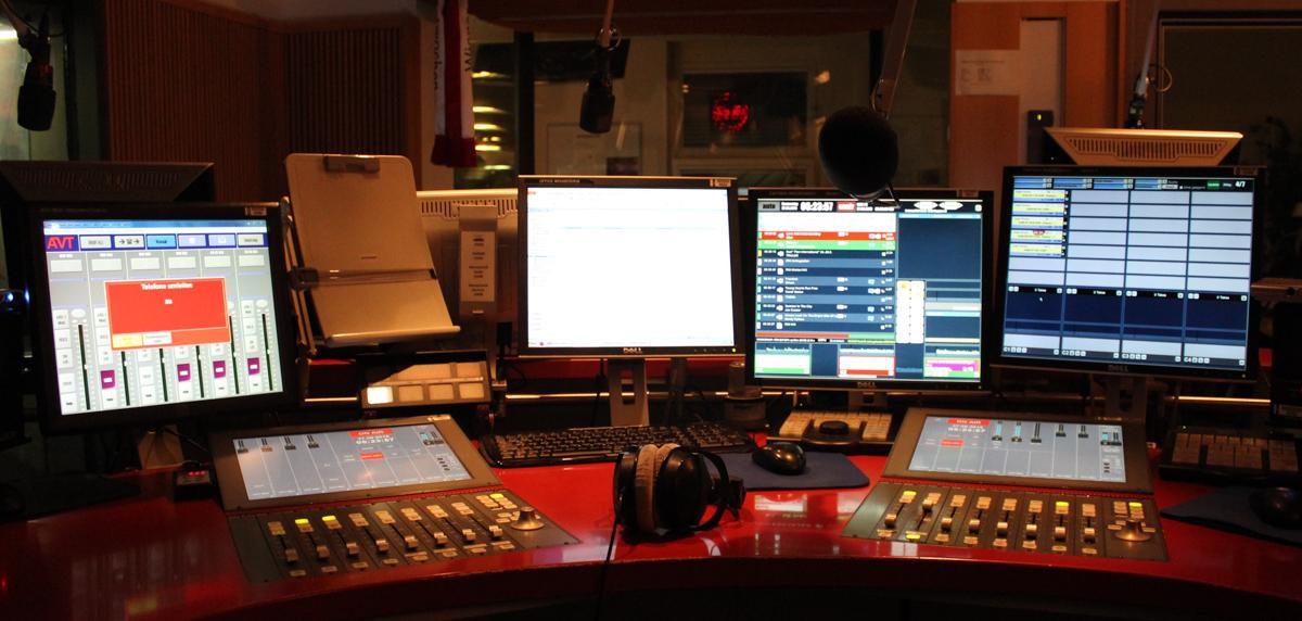 Radiostudio am frühen Morgen